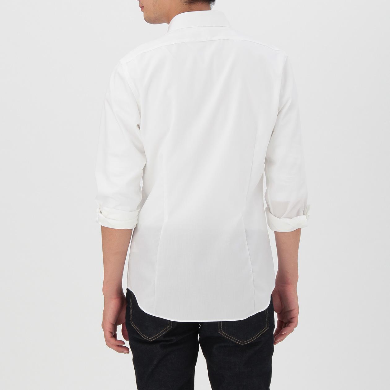 無印の白シャツ