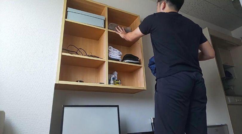 タンスはないので物件に備え付けの棚に全てを収納