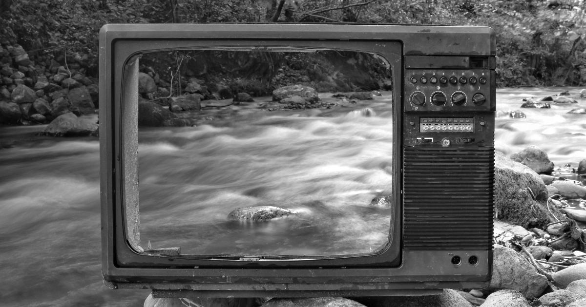 自由に使える時間を増やす方法①テレビを処分してスマホを使わない生活をする